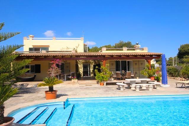 Ferienhaus Am Meer Im Süden Mallorcas, Strandnah Gelegen Mit Klimaanlage,  Internet Und Großem Pool ...